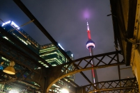 toronto cn tower from union station