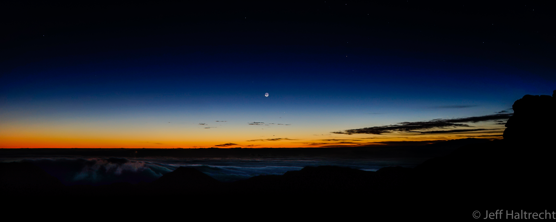 haleakala crater maui hawaii sunrise
