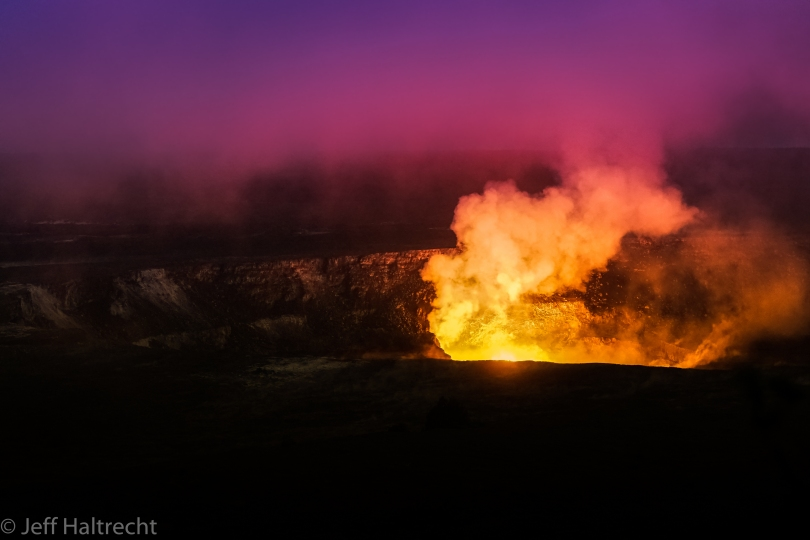 kilauea burning crater hawaii valcano at night